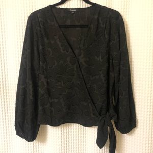 NWOT Madewell Black Wrap Print Top